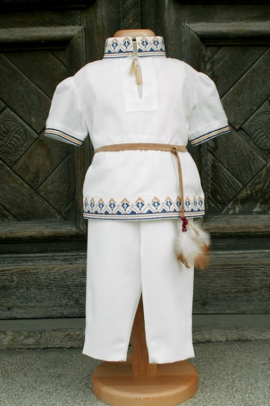 Andrei - traditional romanian costume