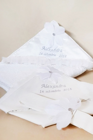 Trousseau Flower Dove - Christening Set for Babies decorated with handcrafted flowers