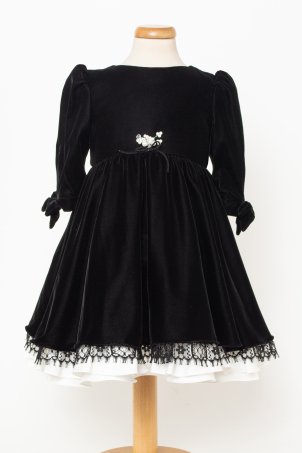 Eleonor - Velvet dress with lace and pearl applications