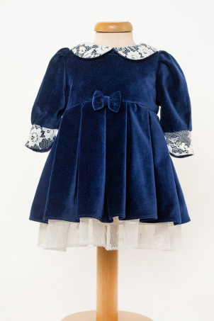 Cecily - Special ocassion dress for girl made from velvet and lace details