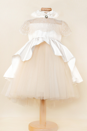 Vintage Dream - Special dress with ivory silk shantung train