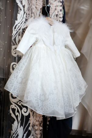 Flower Ivory Angel - Ivory flower printed silk organza dress for girl special occasion, with feather wings on the back