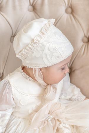 Queen Victoria - Cream - colored silk veil christening hat for girls