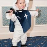 """Edward, la minunata varsta de 1 an si doua luni, in costumul """"Muschetar"""", la lansarea oficiala Petite Coco."""
