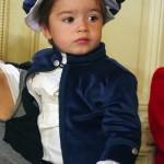 Un curtean de seama (Luca) imbracat in costumasul Micul Lord, la lansarea oficiala Petite Coco.