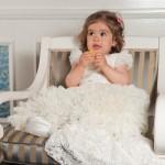 """Izabela poarta rochita unicat, """"Little Princess"""" relizata special pentru Lansarea oficiala a marcii Petite Coco (cunoscuta in presa sub numele de """"rochita de 1000 euro""""). Nu numai ca a aratat ca o printesa, dar se pare ca s-a si simtit la fel :)"""
