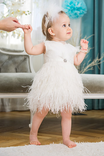 Pearl girl feather dress